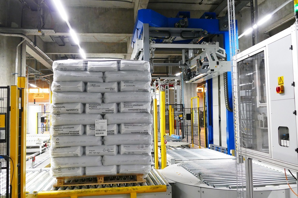 INEOS Styrolution benefits from B+K stretch hood packaging solution based on Styroflex
