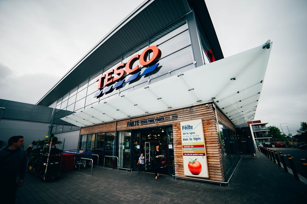 Tesco wrapping, supermarket sector