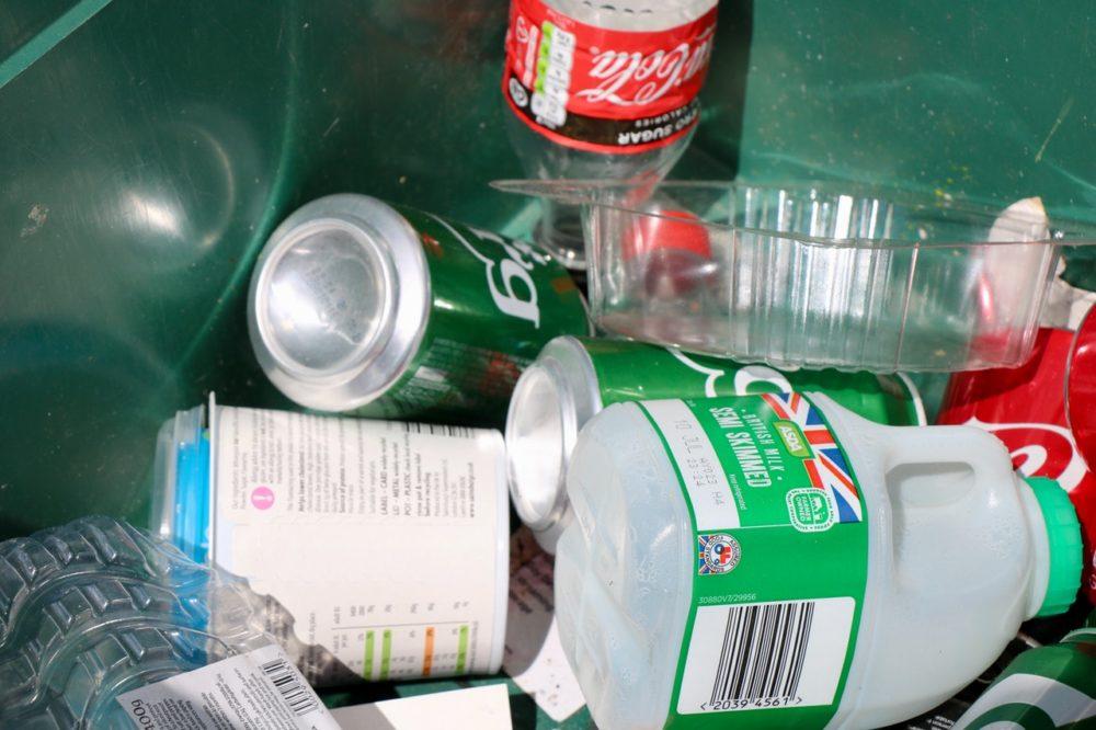 Plastic packaging coronavirus