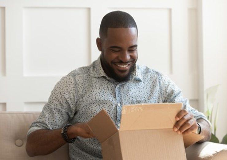 unboxing-happy-box-man