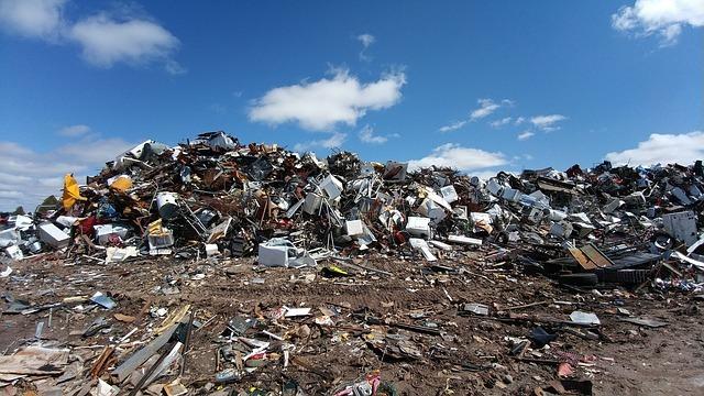 scrapyard-2441432_640