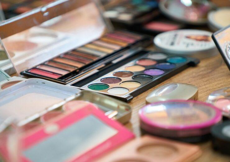 make-up-4565223_1920