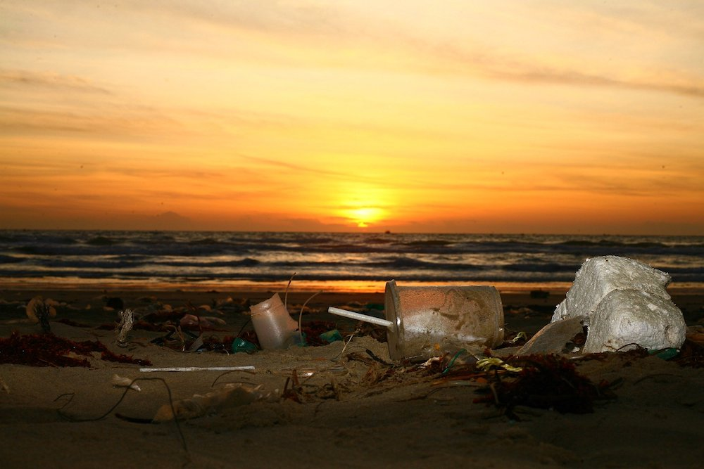 It costs the UK taxpayer more than £1bn ($1.2bn) to clean up litter over the course of a year (Credit: Pixabay)