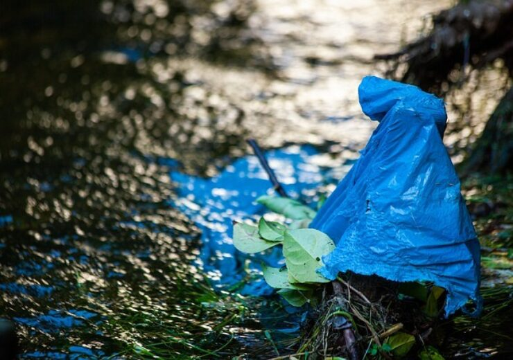 plastic-in-the-river-4767327_640