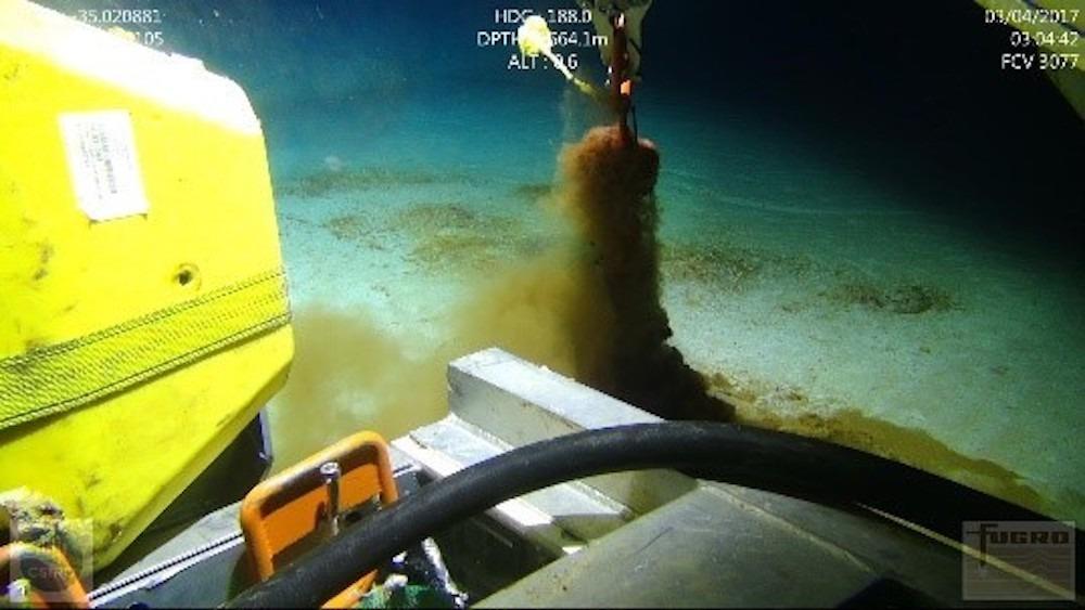 microplastics seafloor